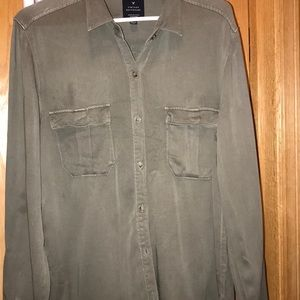 -American Eagle olive green shirt sz large